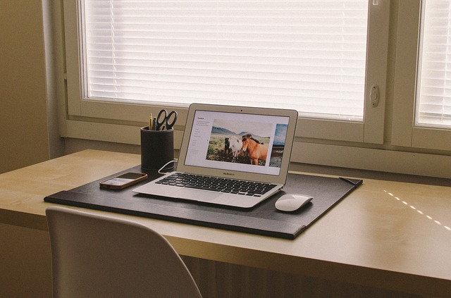 home-office-438386_640-1